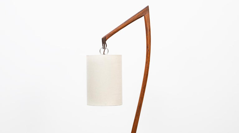 American Mid-Century Modern Pair of Floor Lamps in Walnut and Linen For Sale 5