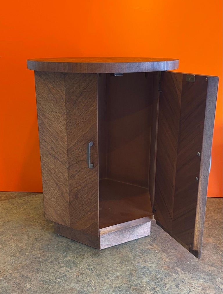 Mid-Century Modern American Modern Walnut Side Table / Cabinet