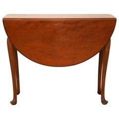 American New England Queen Anne Style Cherry Drop Leaf Table, circa 1780