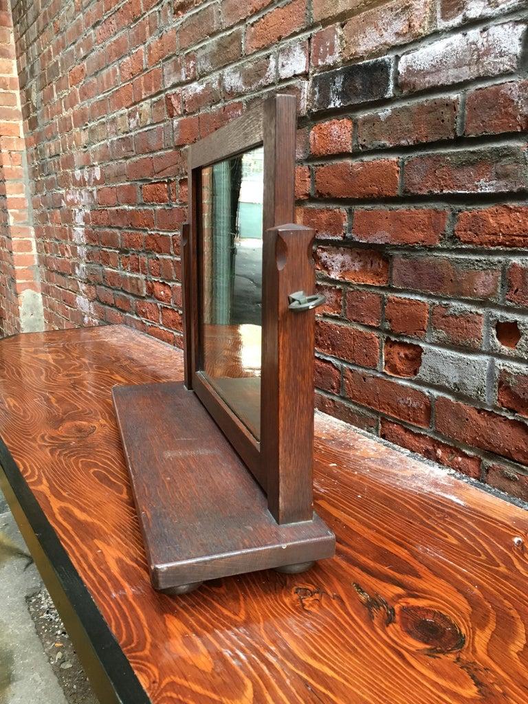 American Oak Arts & Crafts Dresser Mirror In Good Condition For Sale In Garnerville, NY