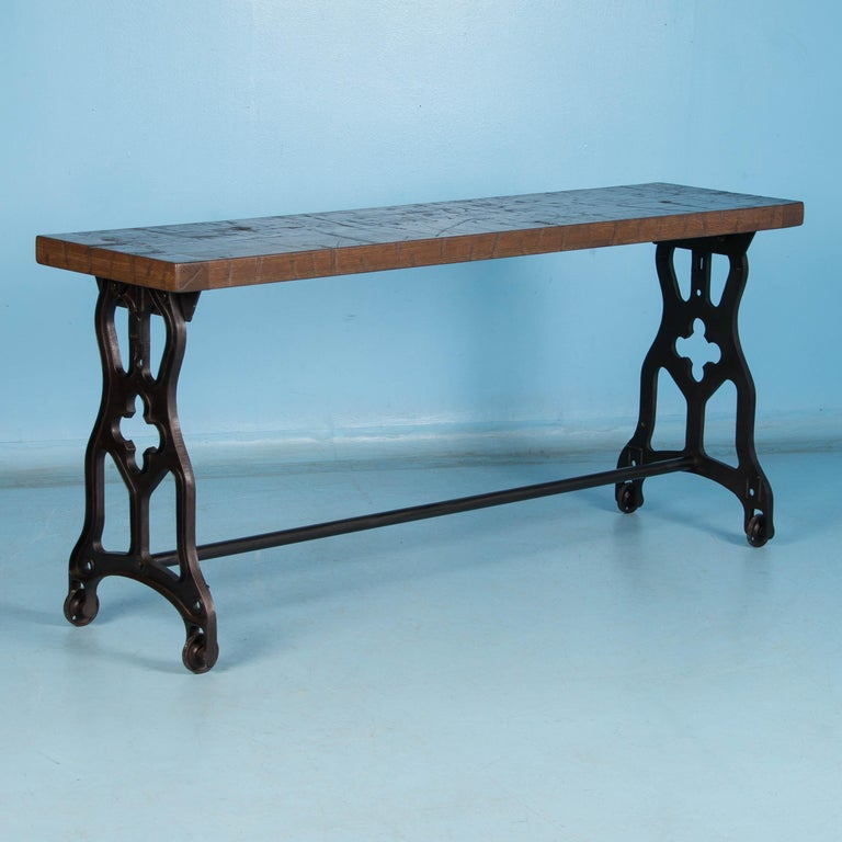 American Oak Console Table with Antique Industrial Cast Iron Legs For Sale 1
