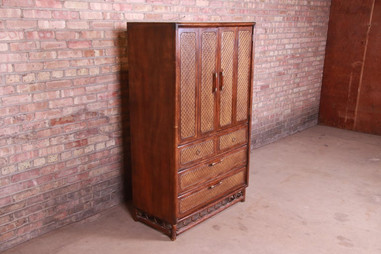 American of Martinsville Hollywood Regency Bamboo Rattan Gentleman's Chest In Good Condition For Sale In South Bend, IN