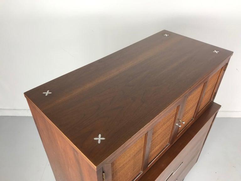 American of Martinsville, Mid-Century Modern Walnut Dresser, Accord Collection 3