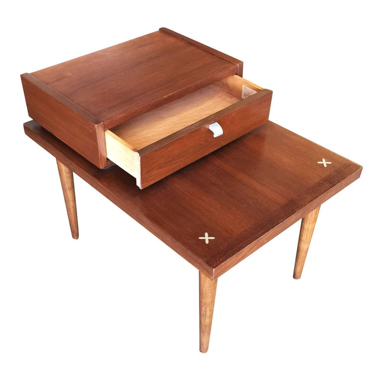 Mid-Century Modern American of Martinsville Two-Tier Bedside Table Pair For Sale