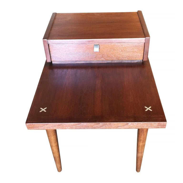 Mid-20th Century American of Martinsville Two-Tier Bedside Table Pair For Sale