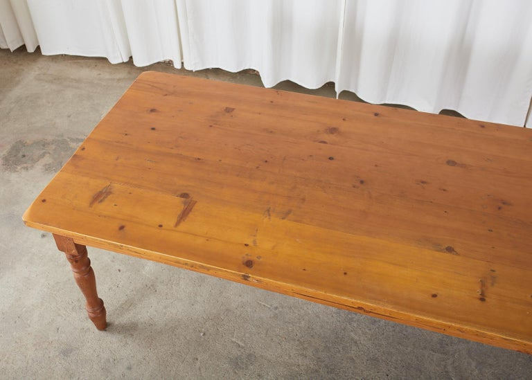 American Pine Country Farmhouse Style Dining Table In Good Condition For Sale In Rio Vista, CA