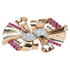 American Retro Bow Shaped 14 Karat Gold Duette Brooch