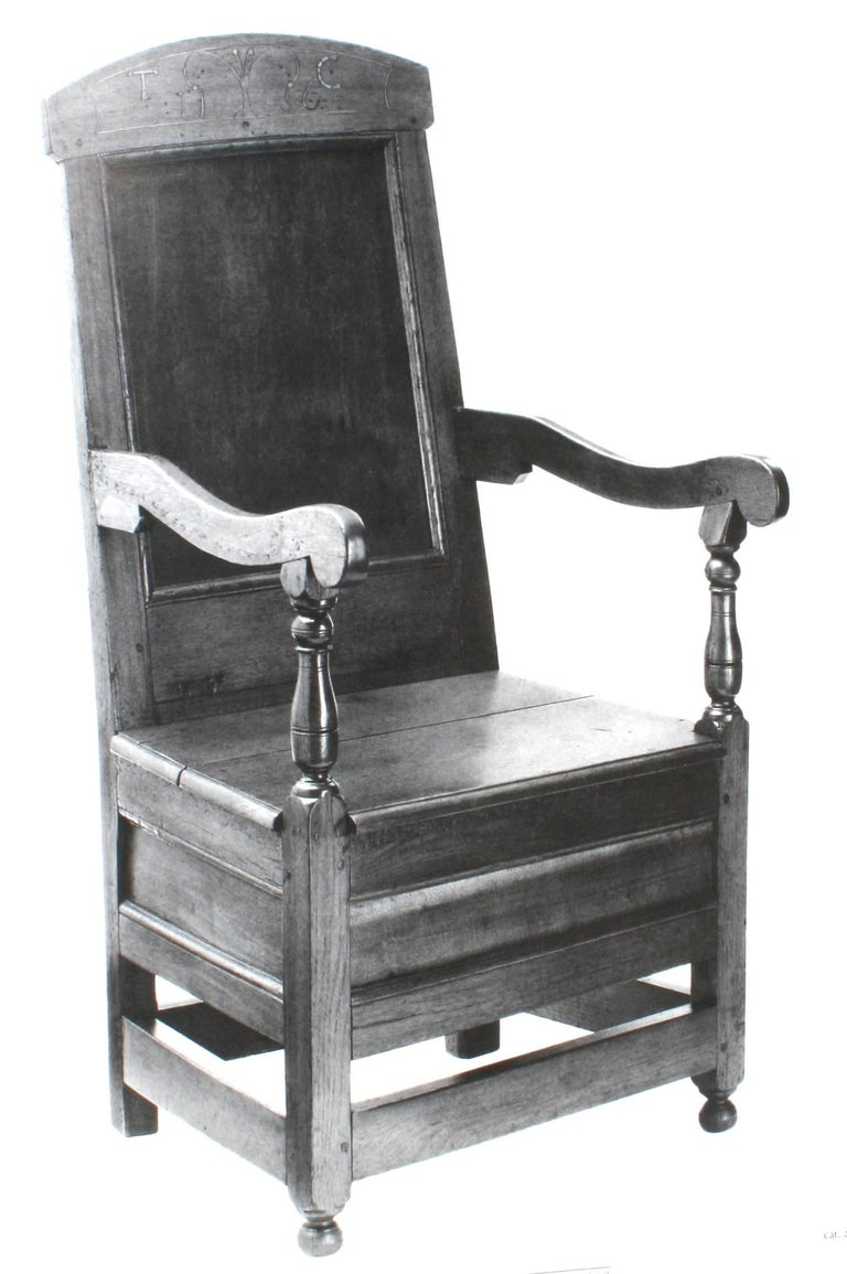 American Seating Furniture 1630-1730, First Edition In Good Condition For Sale In valatie, NY