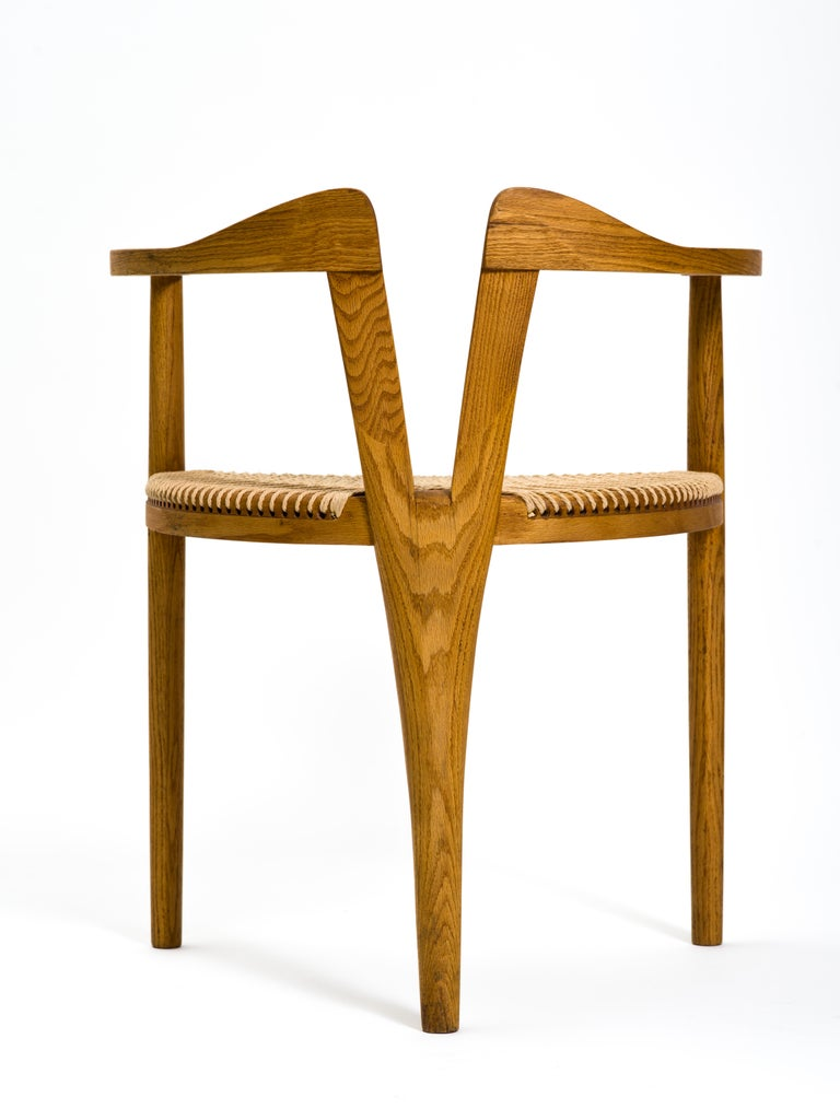 American Studio Craft Tri-Leg Chair in Oak with Woven Seat after Hans Wegner For Sale 5