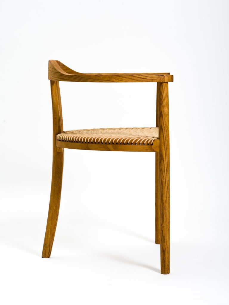 20th Century American Studio Craft Tri-Leg Chair in Oak with Woven Seat after Hans Wegner For Sale