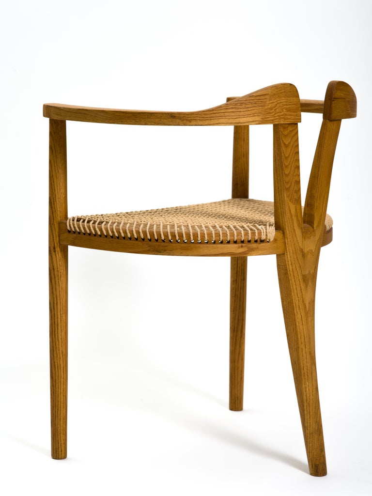 American Studio Craft Tri-Leg Chair in Oak with Woven Seat after Hans Wegner For Sale 2