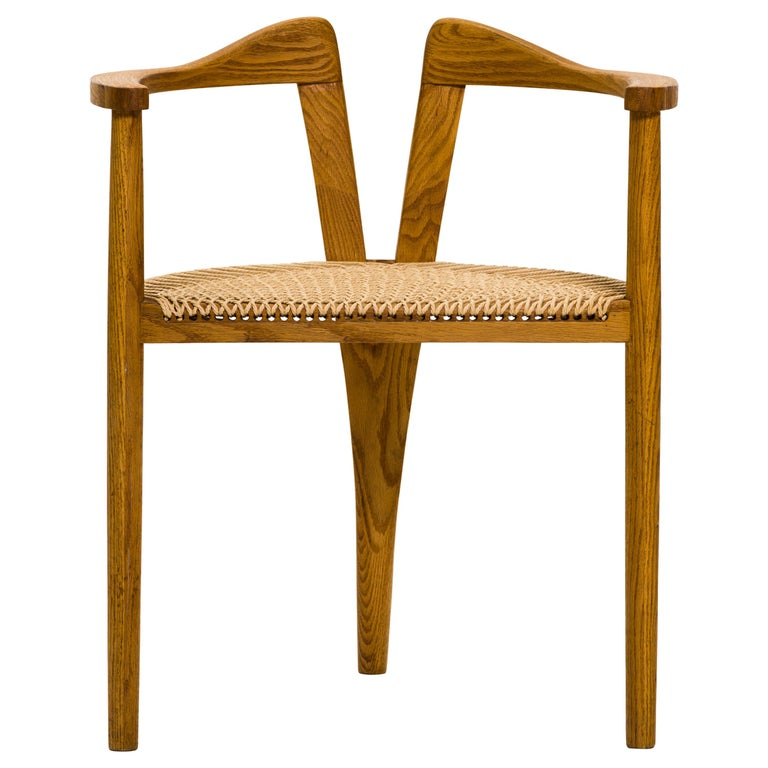 American Studio Craft Tri-Leg Chair in Oak with Woven Seat after Hans Wegner For Sale