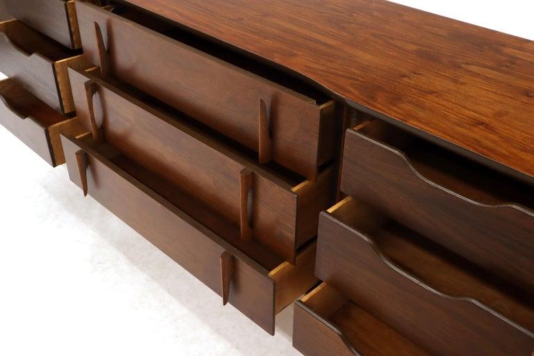 American Walnut Sculptural Front Concave Top Nine Drawers Long Dresser Credenza For Sale 4