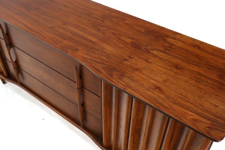 20th Century American Walnut Sculptural Front Concave Top Nine Drawers Long Dresser Credenza For Sale