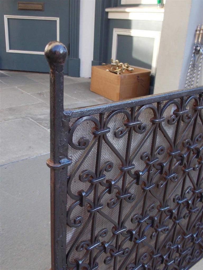 Hand-Crafted American Wrought Iron Ball Top Freestanding Fire Place Screen, Circa 1820 For Sale