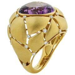 Amethyst 12.09 Carat White Diamonds 18 Karat Yellow Gold Ring