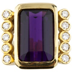 Amethyst and Diamond 18 Karat Yellow Gold Emerald Cut Retro Ring