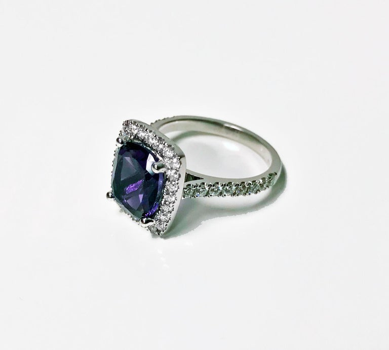 Cushion Cut Amethyst and Diamond Gold Ring, 20th Century For Sale