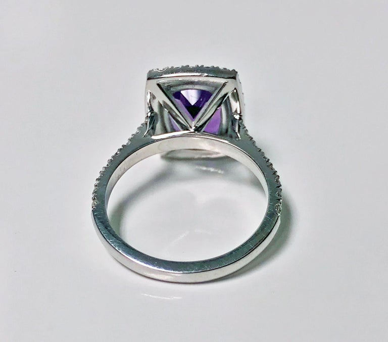 Women's Amethyst and Diamond Gold Ring, 20th Century For Sale
