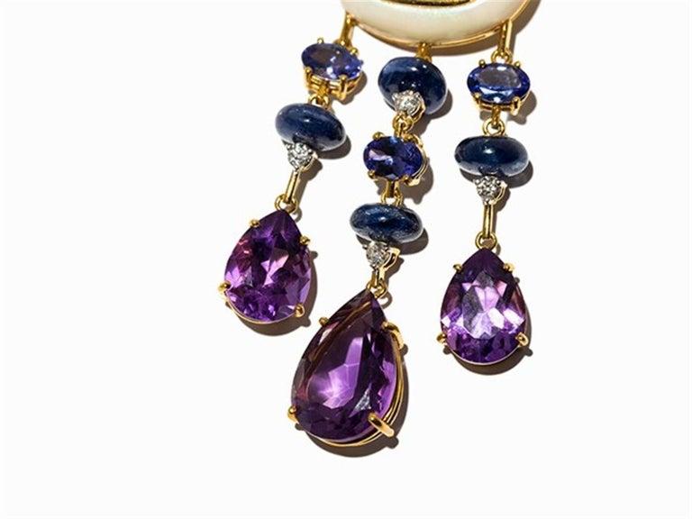Amethyst and Sapphire Tube Hanger Earrings in 18 Karat Gold For Sale 4