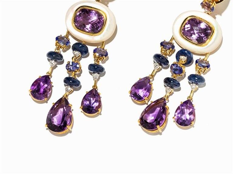 Empire Amethyst and Sapphire Tube Hanger Earrings in 18 Karat Gold For Sale