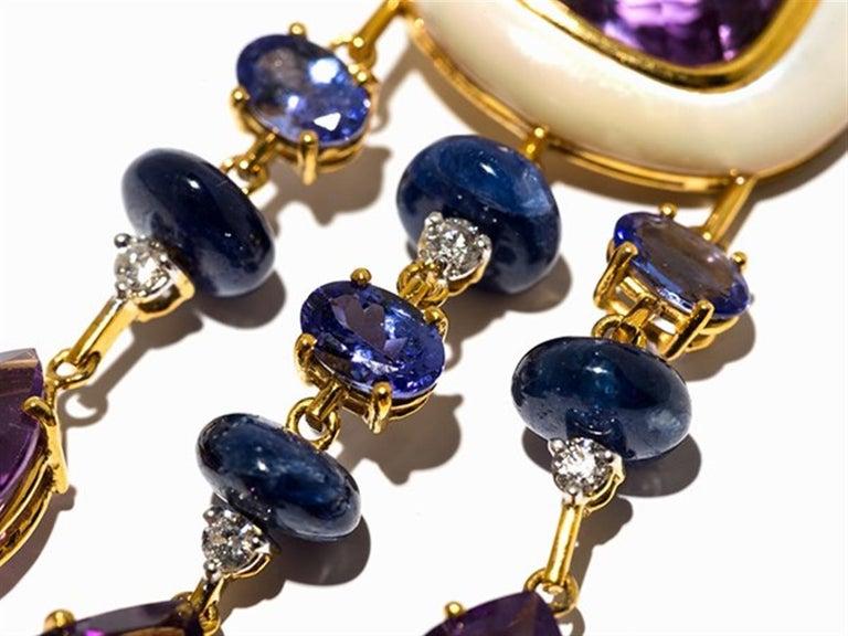 Amethyst and Sapphire Tube Hanger Earrings in 18 Karat Gold For Sale 1
