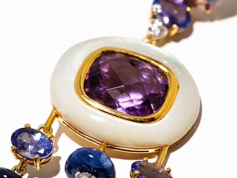 Amethyst and Sapphire Tube Hanger Earrings in 18 Karat Gold For Sale 2