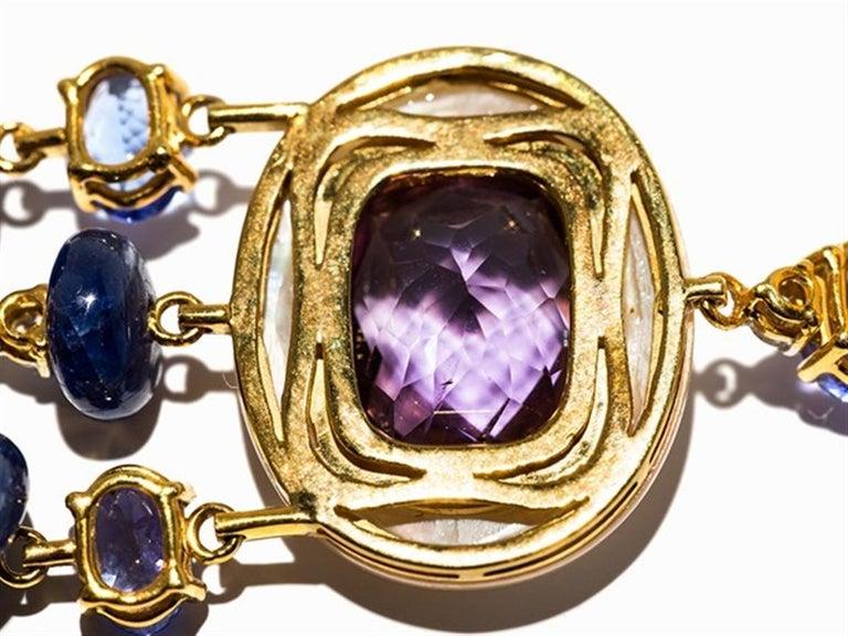 Amethyst and Sapphire Tube Hanger Earrings in 18 Karat Gold For Sale 3
