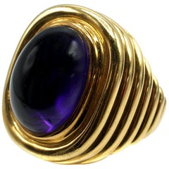 Amethyst Cabochon Ribbed Gold Cocktail Ring