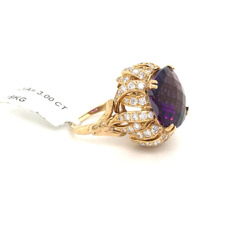Amethyst Diamond Gold Cocktail Ring 23 Carat 18 Karat Yellow Gold In New Condition For Sale In New York, NY