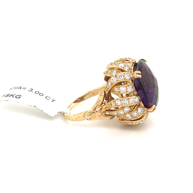 Women's Amethyst Diamond Gold Cocktail Ring 23 Carat 18 Karat Yellow Gold For Sale