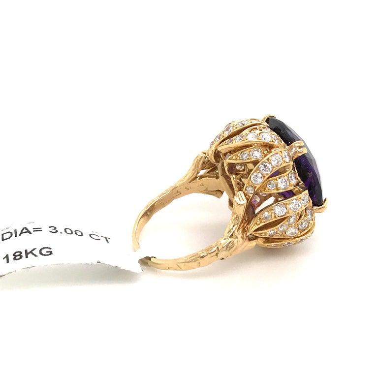 Amethyst Diamond Gold Cocktail Ring 23 Carat 18 Karat Yellow Gold For Sale 1