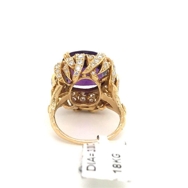 Amethyst Diamond Gold Cocktail Ring 23 Carat 18 Karat Yellow Gold For Sale 3