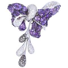 Amethysts Diamonds 18 Karat White Gold Bow Brooch