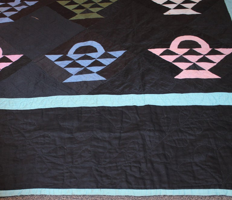 American Amish Baskets Quilt from Holmes County, Ohio For Sale