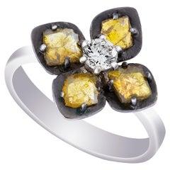 Amrapali Jewels 18 Karat Gold, Light Yellow and White Diamond Ring