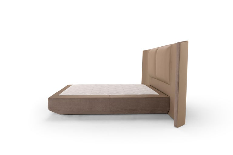 Modern Amura Panis Bed in Grey Leather by Emanuel Gargano For Sale