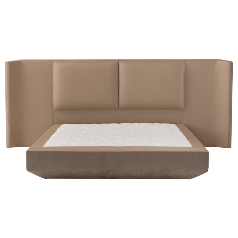 Amura Panis Bed in Grey Leather by Emanuel Gargano For Sale