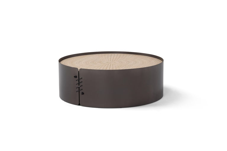 The Setacci collection consists of coffee tables of different heights and top diameters. Their inspiration comes from the sieves used for flour, commonly used in the agricultural tradition, in which Altamura are elevated as instruments of sacral