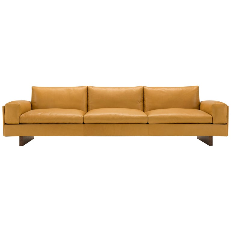 Amura 'Tau' Sofa in Coffee Leather by Emanuel Gargano For Sale
