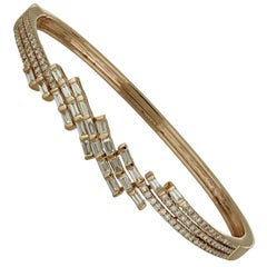 Amwaj Jewellery 18 Karat Rose Gold Bangle with Diamonds