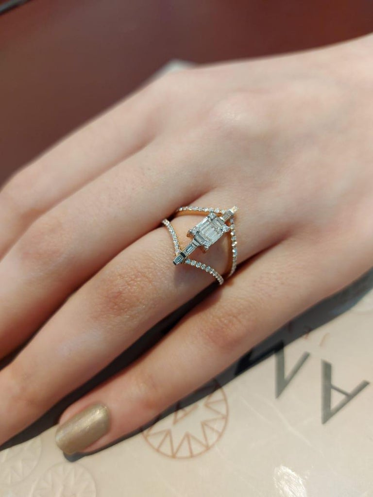 Women's Amwaj Jewellery 18 Karat Rose Gold Ring with White Baguette Cut Diamonds For Sale