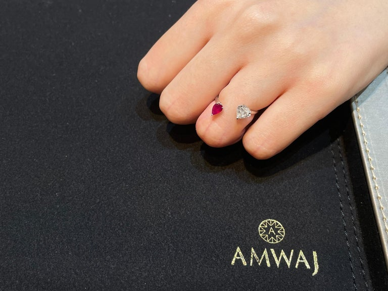 Amwaj Jewellery 18 Karat White Gold Ring with Ruby and Heart Cut Diamond In New Condition For Sale In Abu Dhabi, Abu Dhabi