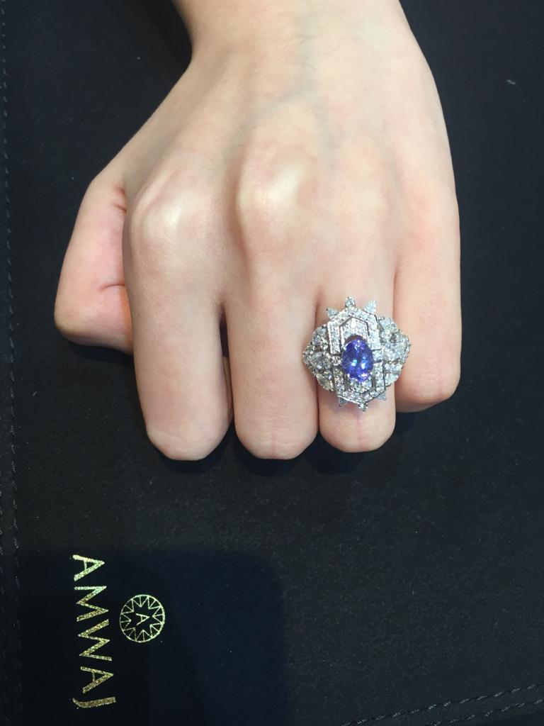 Amwaj Jewellery Marquise and Round Cut Diamond Ring with Tanzanite In New Condition For Sale In Abu Dhabi, Abu Dhabi