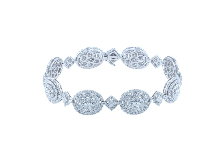 Modern Amwaj Jewelry 18 Karat White Gold Diamond Bracelet For Sale