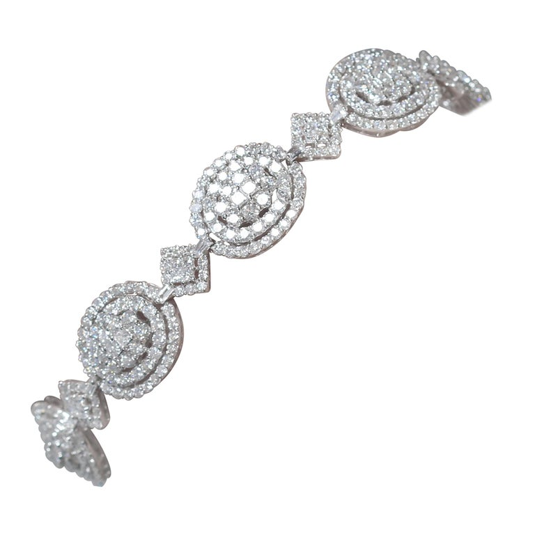 Amwaj Jewelry 18 Karat White Gold Diamond Bracelet For Sale