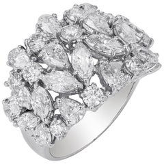 Amwaj Jewelry 18 Karat White Gold Ring with Diamonds