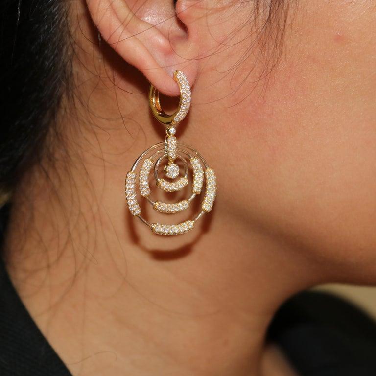 Amwaj Jewelry 18 Karat White Gold Earrings In New Condition For Sale In Abu Dhabi, Abu Dhabi