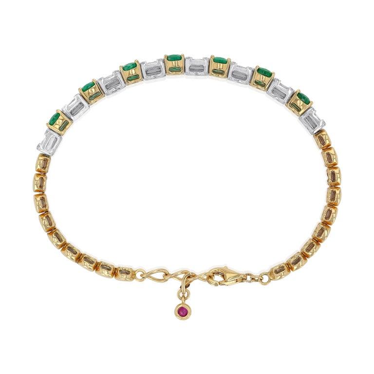 Women's Amwaj Jewelry Emerald Cut Bangle in 18 Karat Gold For Sale