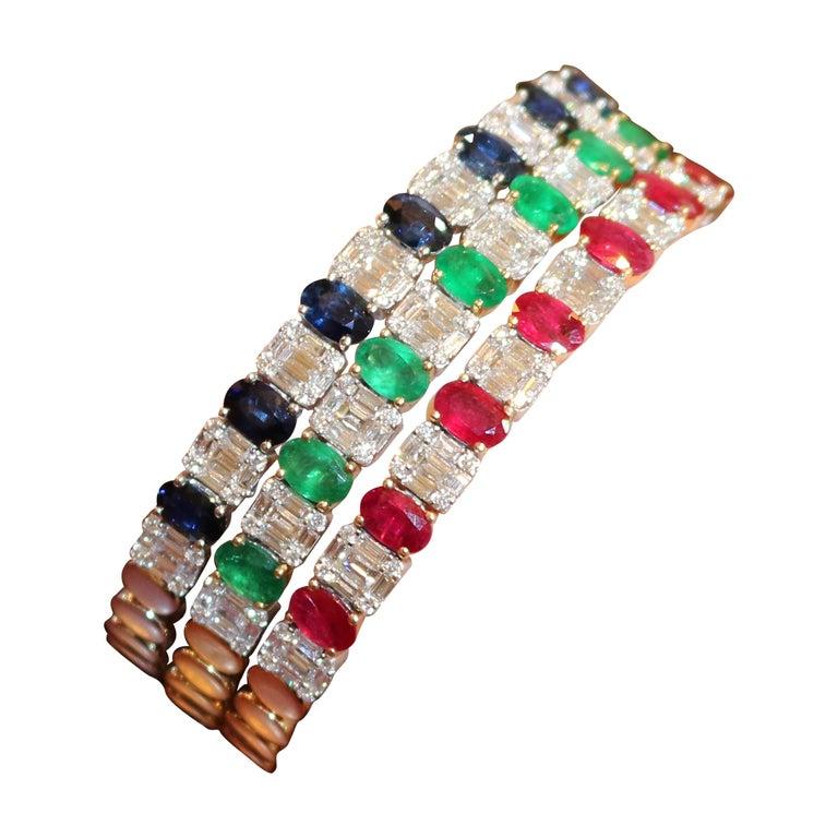 Amwaj Jewelry Emerald Cut Bangle in 18 Karat Gold For Sale